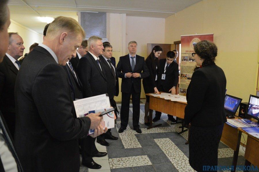 В Гусь-Хрустальном прошло выездное заседание АТК с участием консультантов Правовой школы